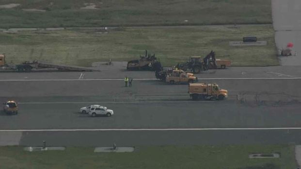 RAW: Pothole Forces Closure of 2 SFO Runways