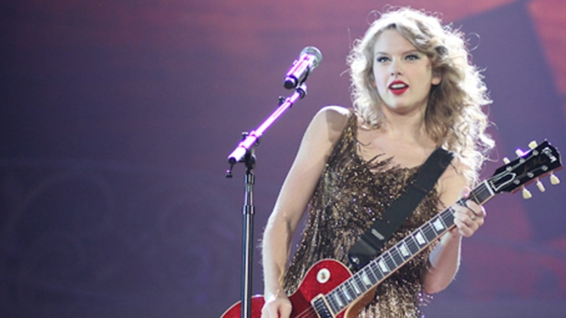 LIVE: Taylor Swift