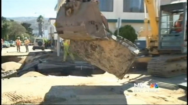 [BAY] Water Main Break Causes SF Sinkhole