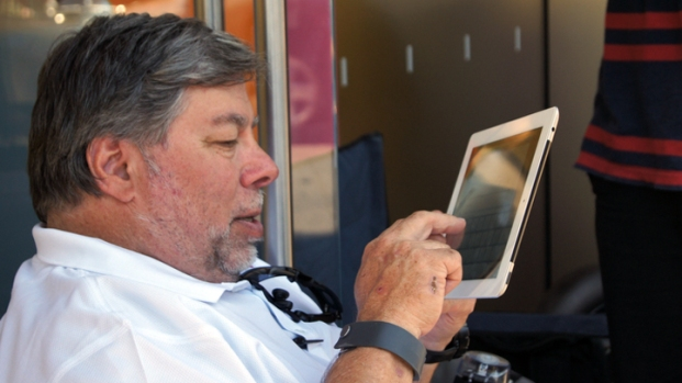 Woz Waits for the iPhone 4GS