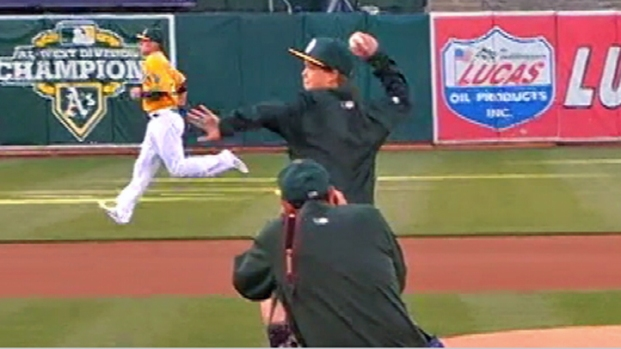 [BAY] RAW VIDEO: Aaron Hern Throws Out First Pitch