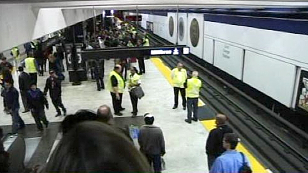 [BAY] Bart Protestors Stop Commute