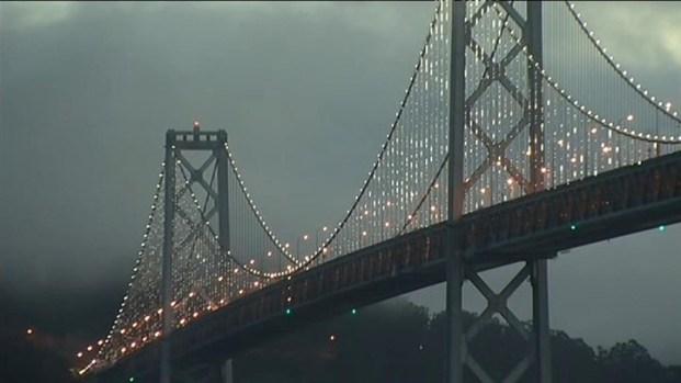 [BAY] Raw Video: Bay Bridge Lights on Display