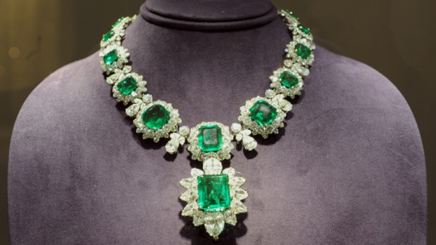 [THREAD] First Look: Elizabeth Taylor's Spectacular Jewelry, Fashion On Display at Christie's
