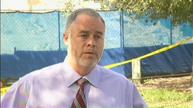 [MI] Miami-Dade College Spokesman Talks to Press About Garage Collapse