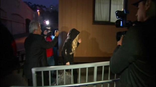 [LA] Lindsay Lohan Arrives for Community Service at Morgue
