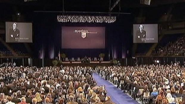 [PHI] Thousands Remember Paterno at Memorial