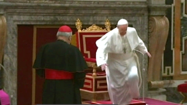[NY] Pope Stumbles in Front of Cardinals