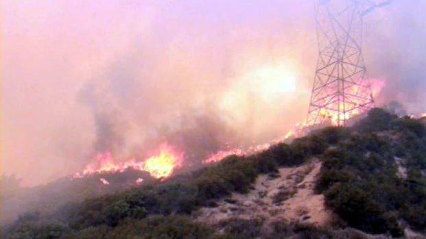 [LA] Powerhouse Fire Burns 1,400 Acres