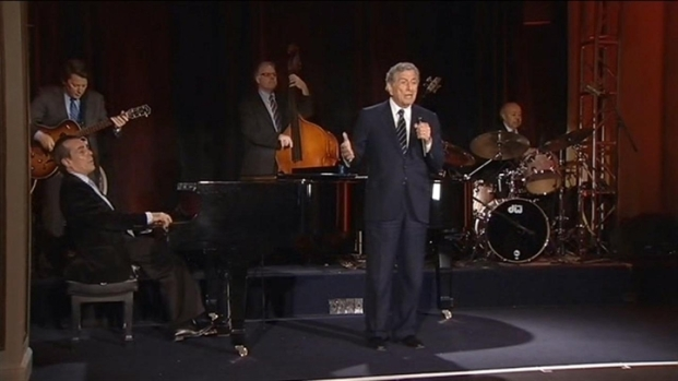 [BAY] Raw Video: Tony Bennett at the Fairmont Hotel 2012