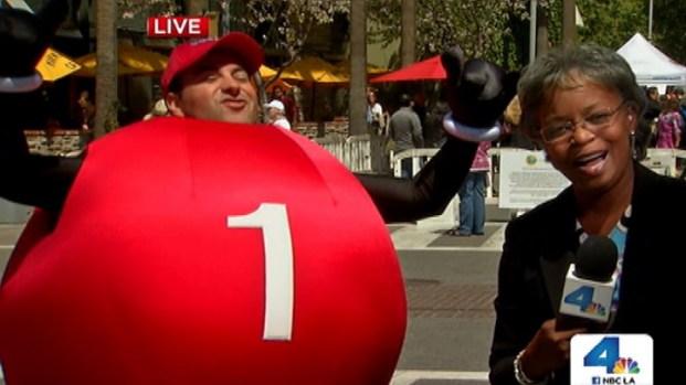[LA] California Meets Powerball and Its Dancing Mascot