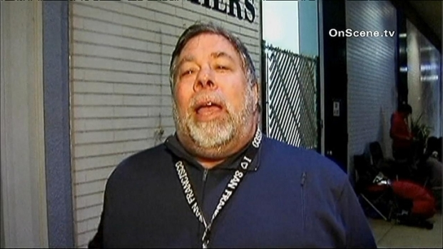[BAY] Steve Wozniak In Line For New iPad