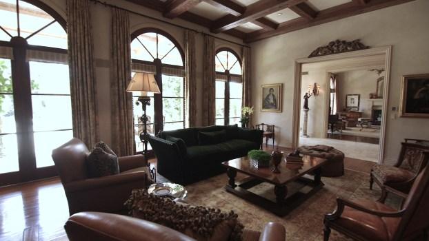 A Tuscan-Style Villa in Encino