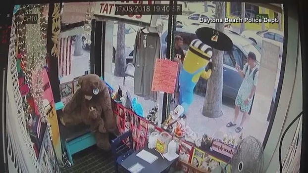 Man in Minion Suit Attacked in Florida
