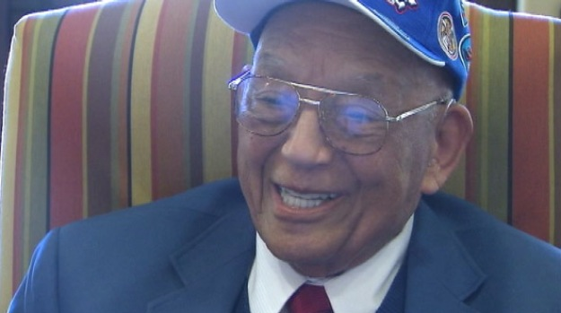 [NATL-V-LA] WWII Pilots Meet the Tuskegee Airmen Who Protected Them