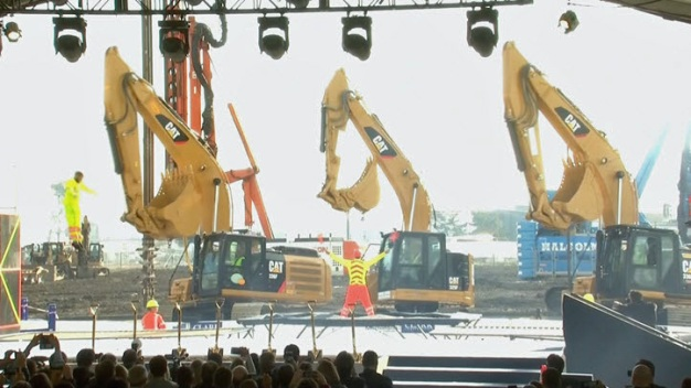 RAW VIDEO: Dancing Excavators at Warriors Groundbreaking for Chase Center