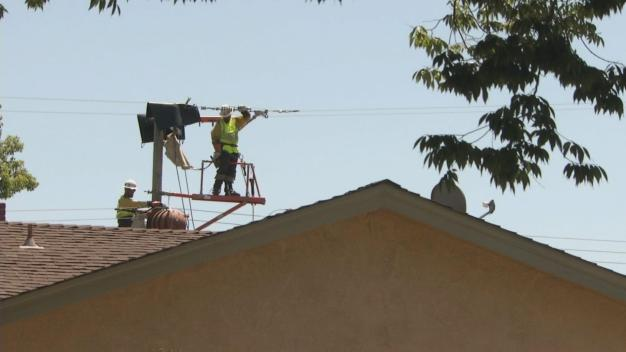 At Peak of Heat Wave, PG&E Cuts Power in SJ Neighborhood