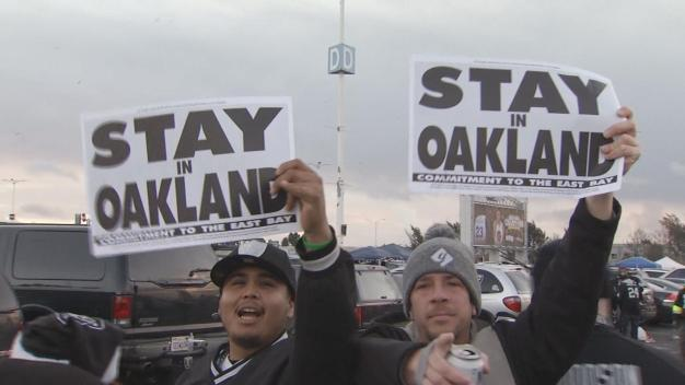 Officials Announce Plan to 'Keep the Raiders in Oakland'