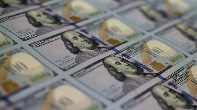 Weakening U.S. Dollar Threatens Global Economy