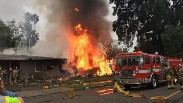 3 Dead After Small Plane Crashes Into Calif. Neighborhood