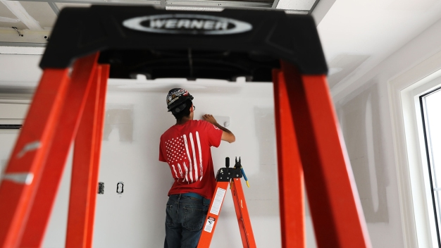 US Adds 228K Jobs, Underscoring Economy's Growing Momentum
