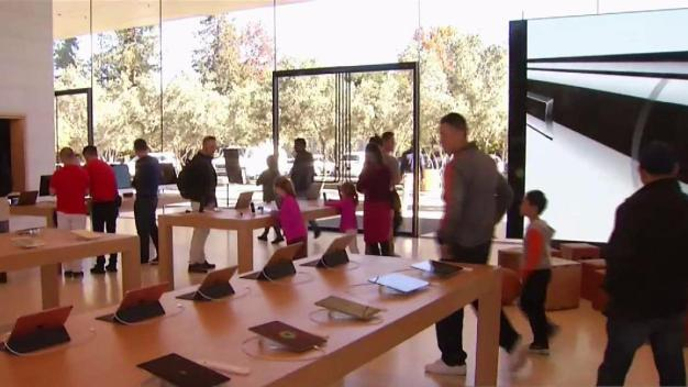 Apple's New $108 Million Visitor Center Now Open