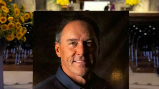 49ers to Honor Dwight Clark With Helmet Decal, Statue