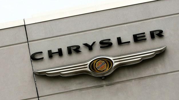 Fiat Chrysler Recalls Minivans for Engine Stalling Problem}