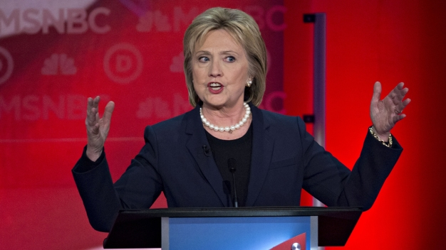 Clinton '100 Percent Confident' Emails Won't Hurt Campaign
