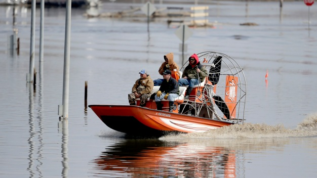 200 Miles of Levees Compromised in Midwest Flooding
