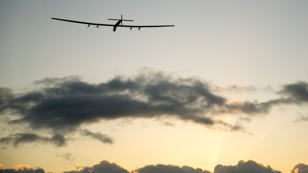 Solar Plane En Route to Calif. on Earth Day