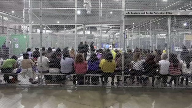 Trump to Sign Order Reversing His Family Separation Policy