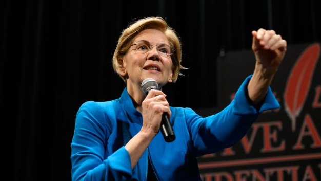 Warren Offers Public Apology Over Claim to Tribal Heritage