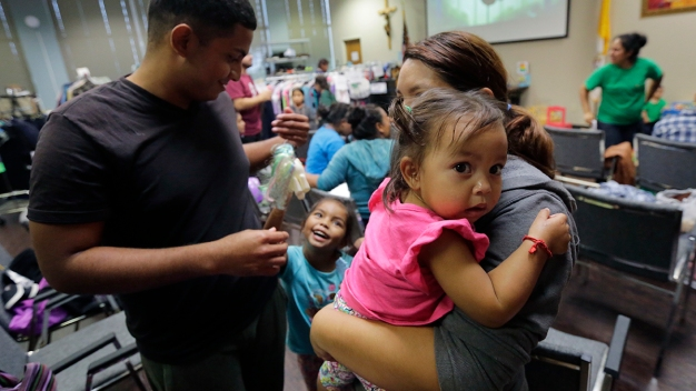 LA Archdiocese Launches Online Donations Campaign for Immigrant Families