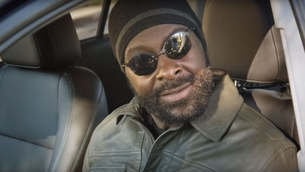 Jerry Rice Successfully Masquerades as Lyft Driver