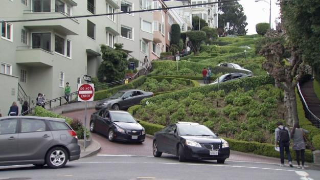 Toll Pitched for San Francisco's Crowded 'Crooked Street'