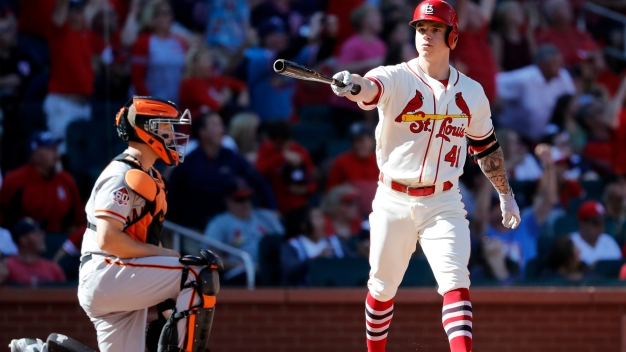 Giants Blow 4-2 Lead, Fall to Cardinals on O'Neill's Exit