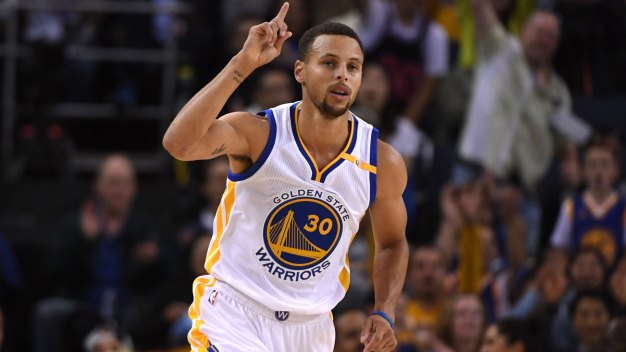 Warriors Win 10th Straight Against Clippers
