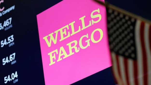 Protesters Urge Wells Fargo Customers to Close Accounts