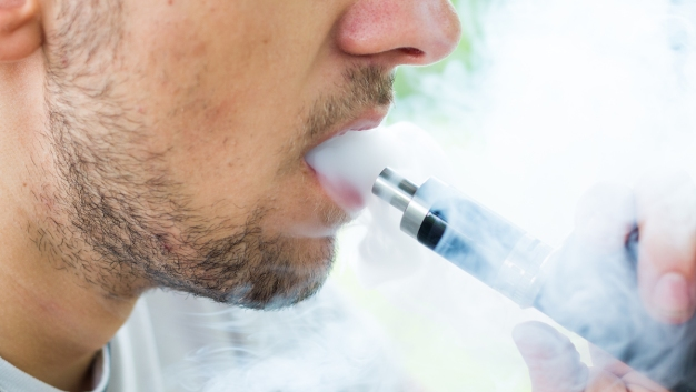Vaping-Related Lung Transplant Performed at Detroit Hospital