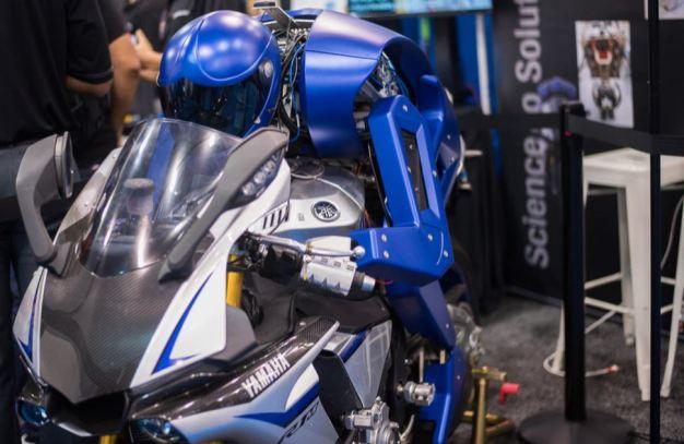 World's First MotoBot Wows at Robotics Convention