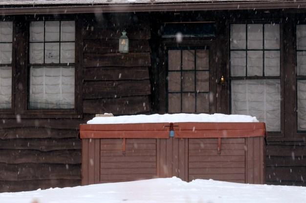 Boy Dies After Being Found in Hot Tub at Lake Tahoe Resort