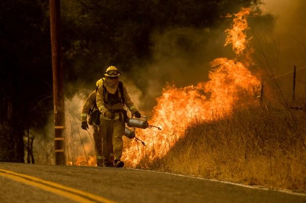 Thomas Fire Reaches Santa Barbara County, Burning 230K Acres