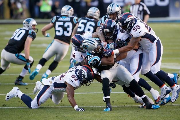 #SB50: Broncos Take Halftime Lead Over Panthers 13-7