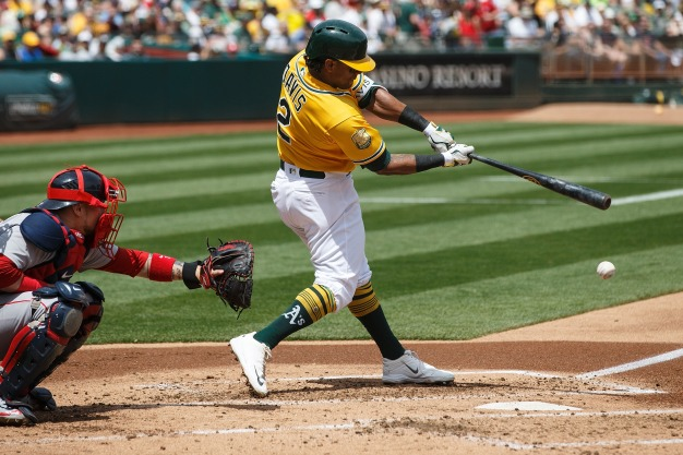 Davis Homers Off Price in 8th, A's Top Red Sox 4-1