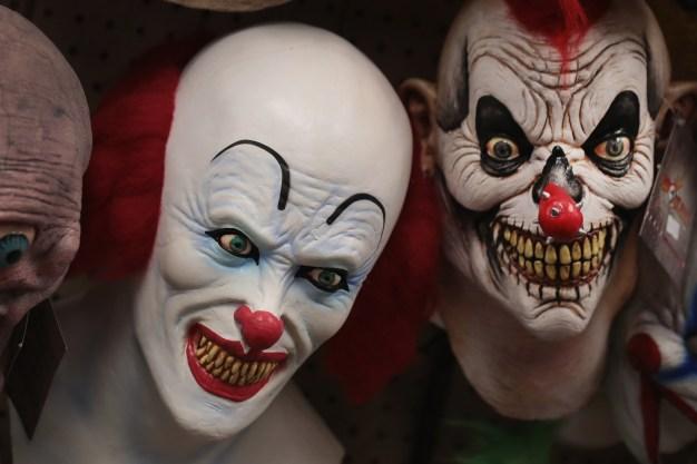 Men Toting Clown Masks, Gun Spotted at San Francisco Mall