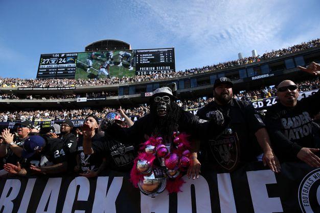 Del Rio Says 'Roar' of Fans is Energizing Raiders