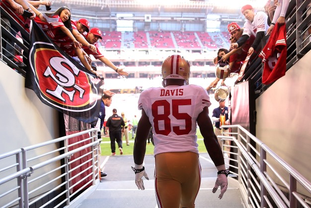 Vernon Davis's Future Again Seems Bright With 49ers