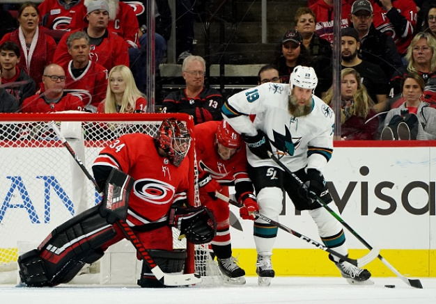 Sharks Fall to Carolina in Shootout For Second Straight Loss