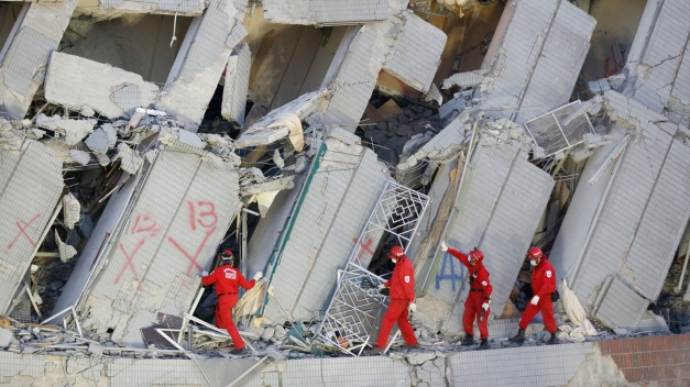 Search For Life Continues at Taiwan Complex Toppled By Quake